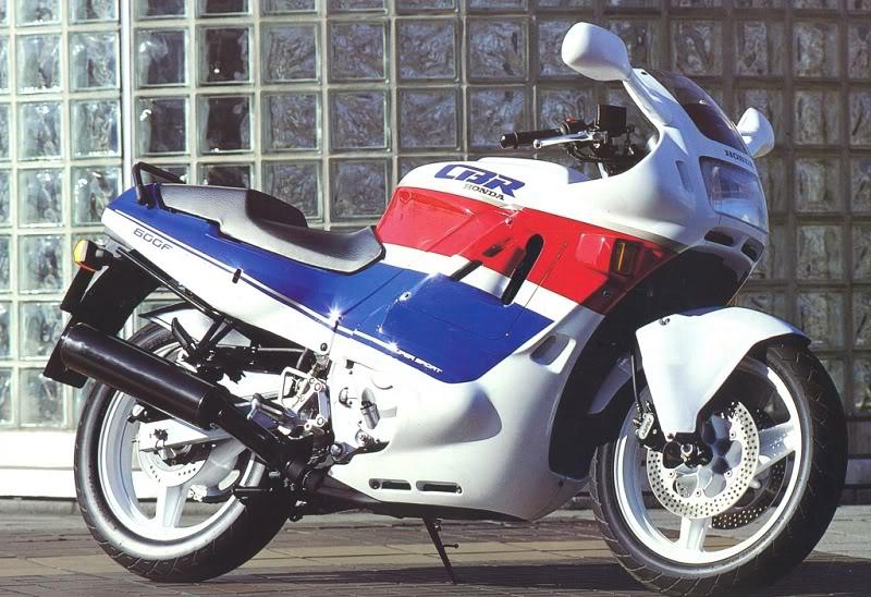 Хонда СБР 600 ф1